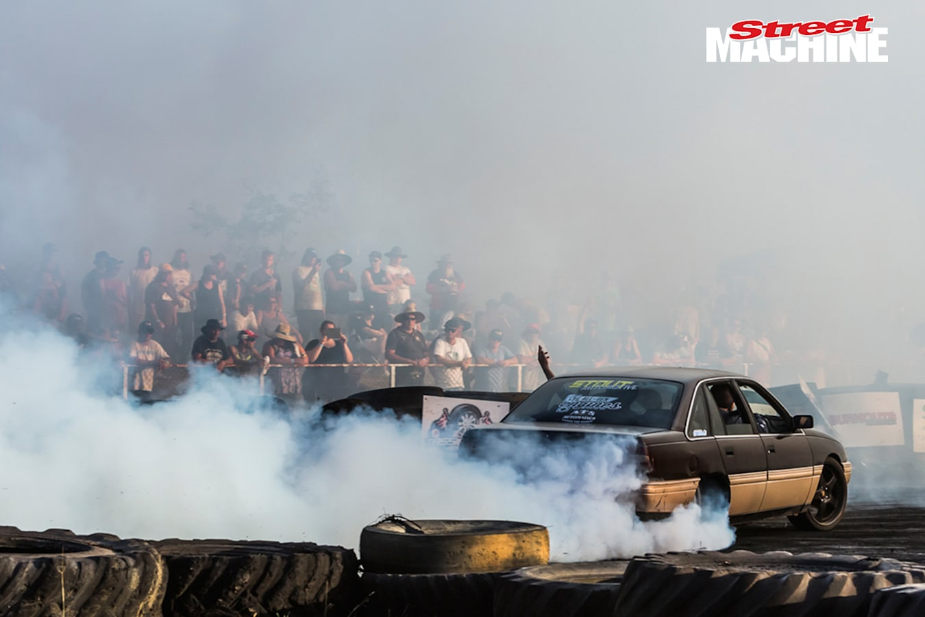 VN Commodore Burnout Jpg