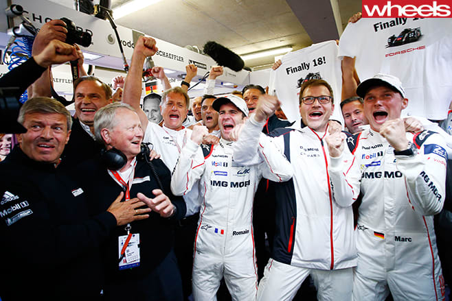 Racing -team -at -Le -Mans
