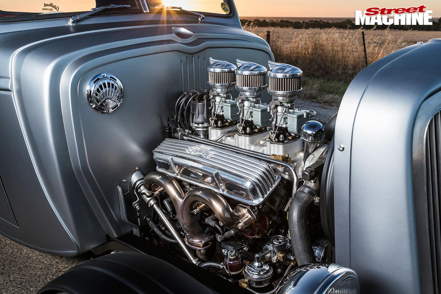 Chev pick-up engine