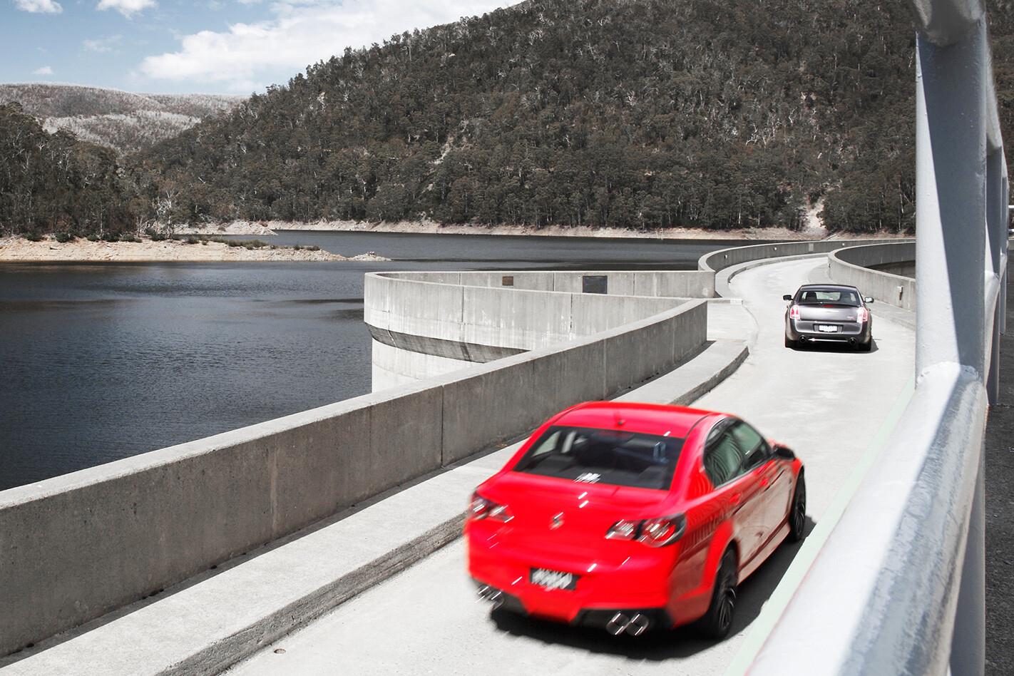 HSV Clubsport vs Chrysler 300 SRT8 Core rears