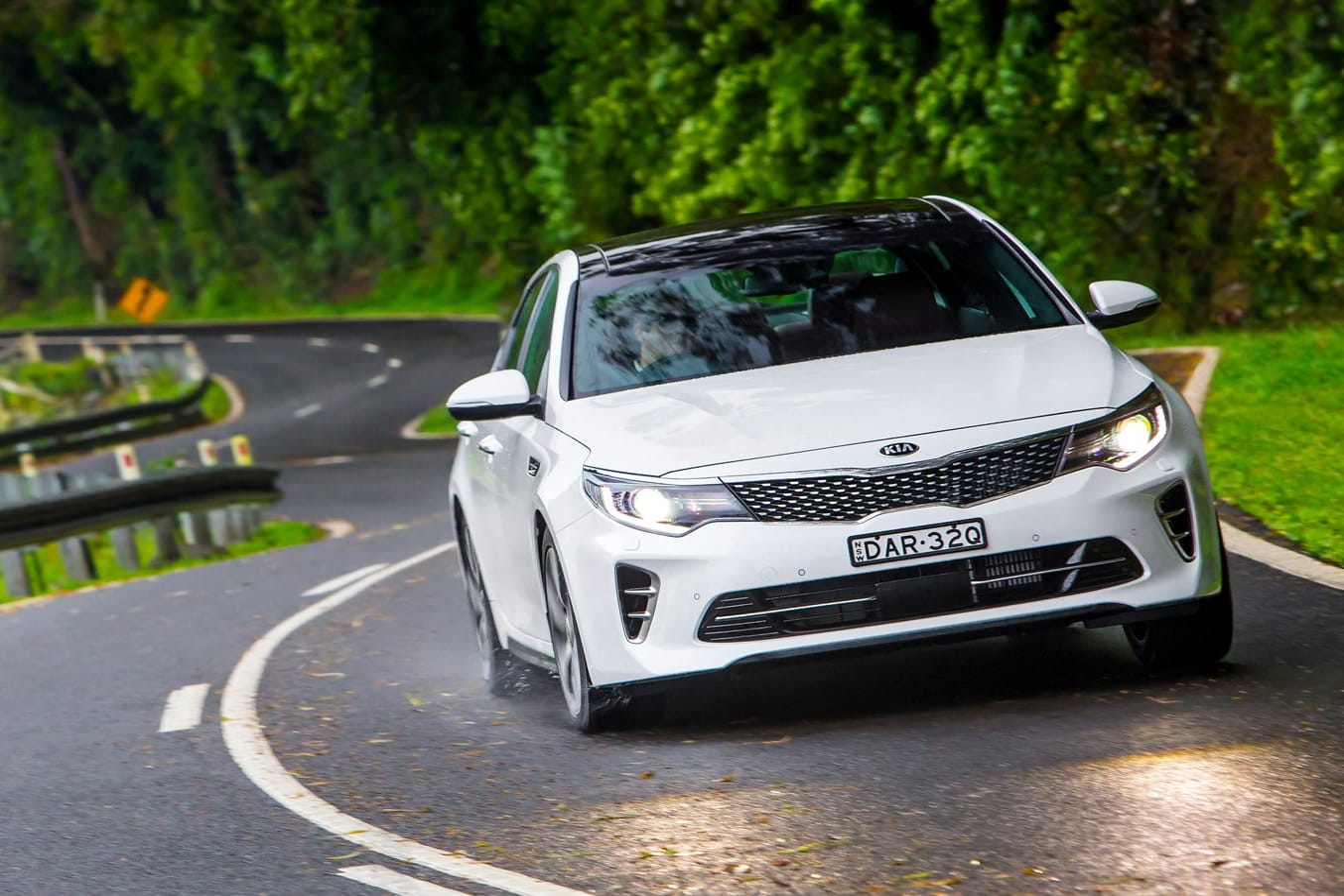 2018 Kia Optima review video
