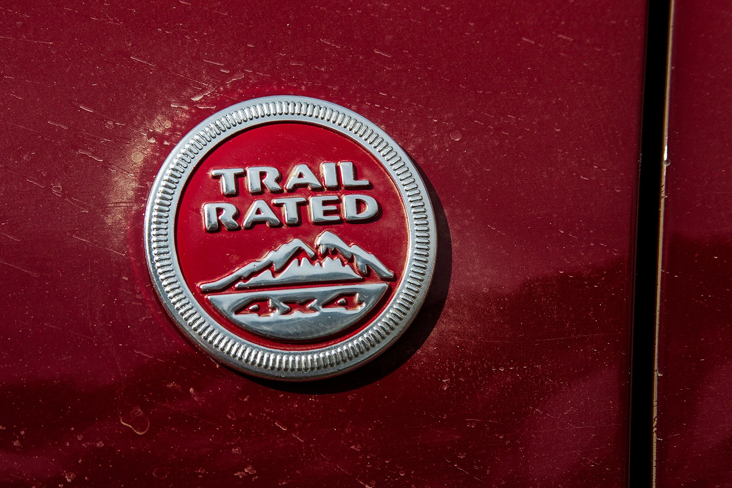 Jeep Grand Cherokee Trailhawk trail rated badge