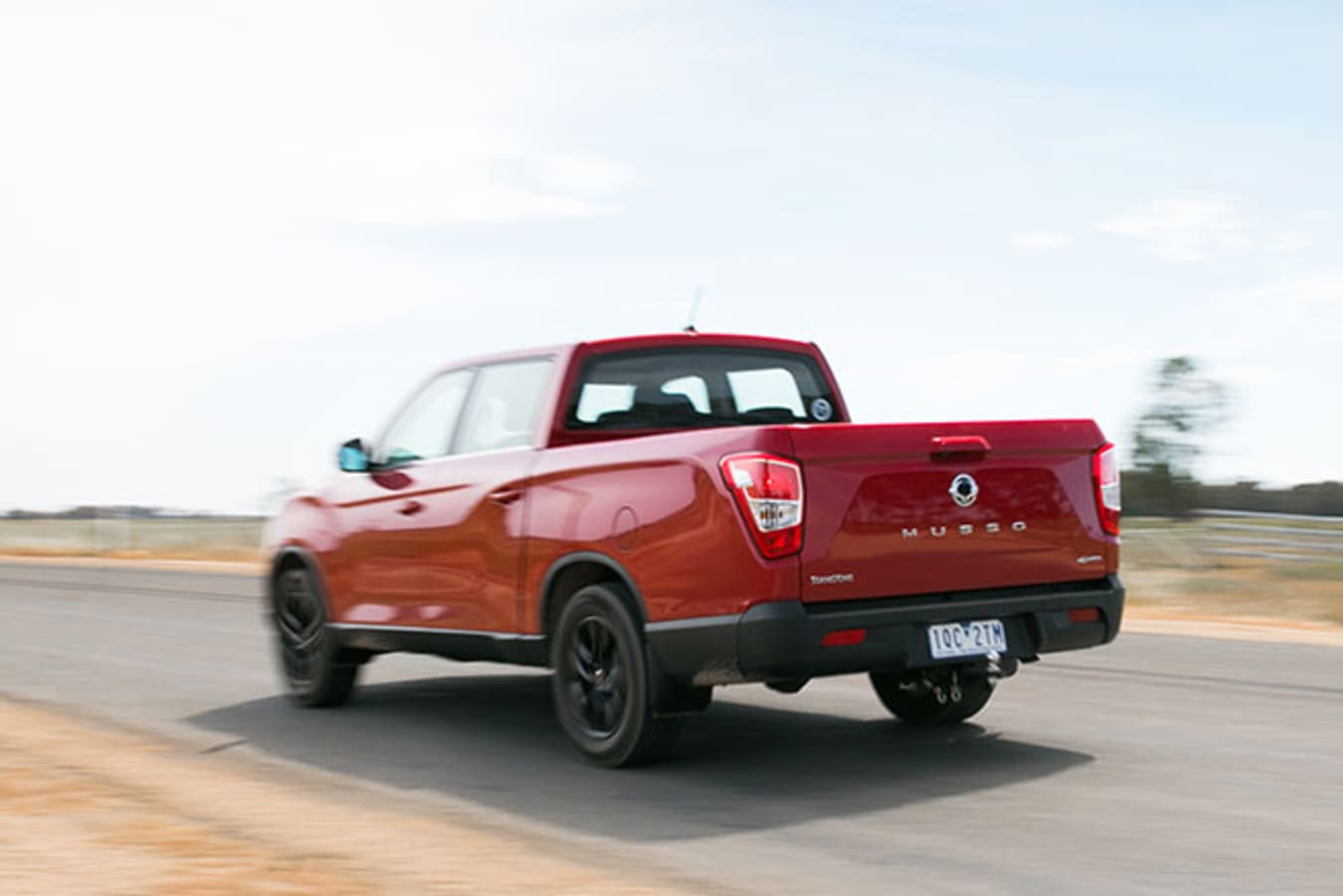 SsangYong Musso XLV Ultimate rear action speed