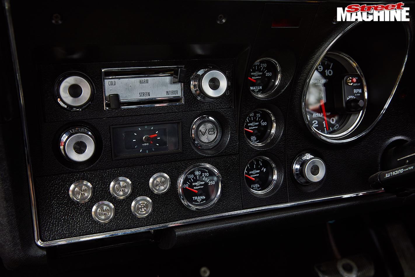 Ford Falcon XY GS dash