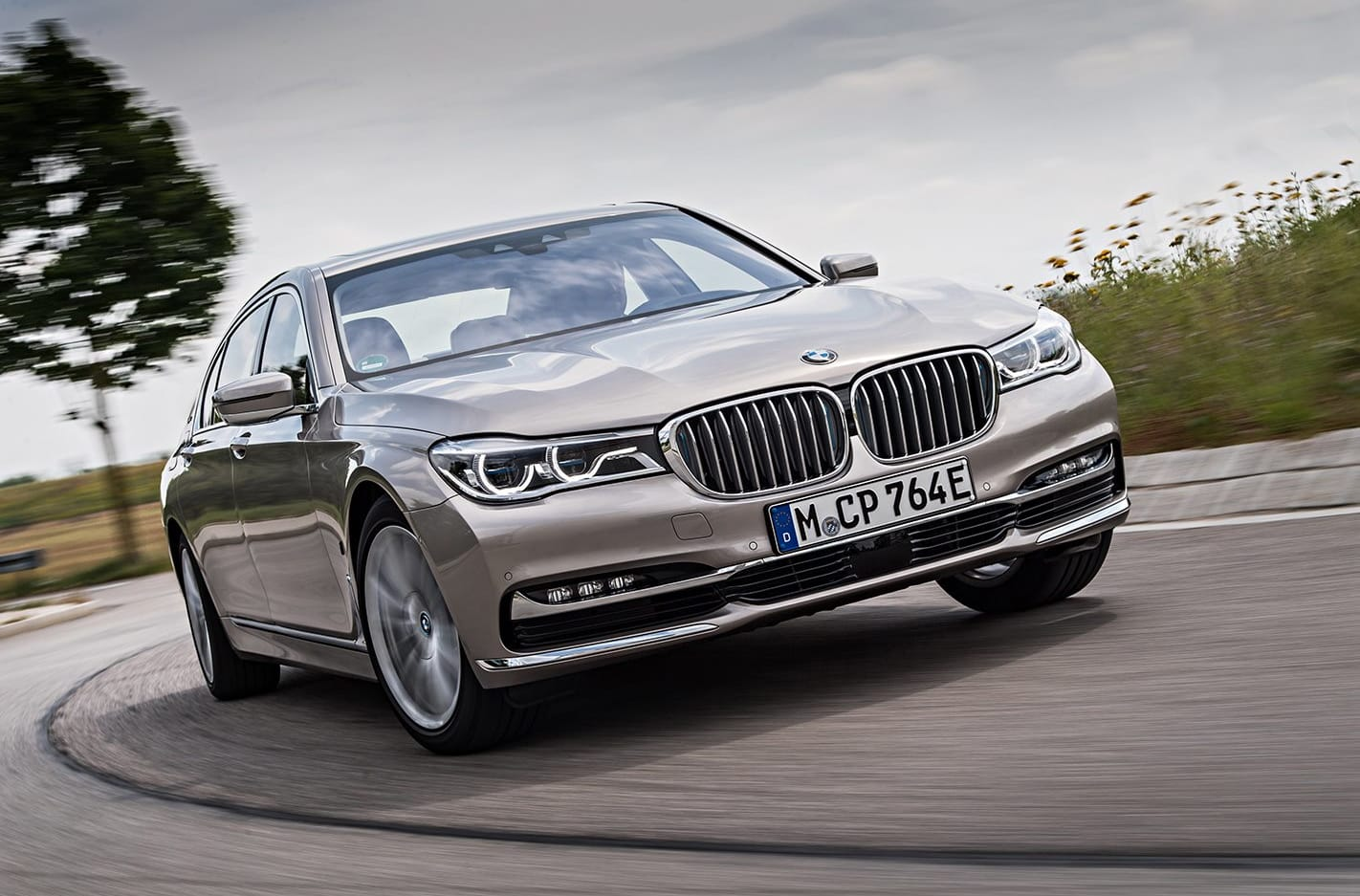 2017 BMW 740e iPerformance quick review main