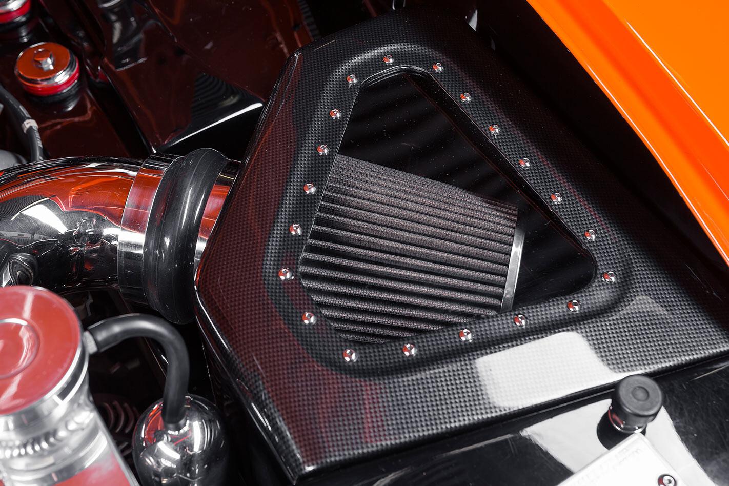 Holden LJ Torana engine
