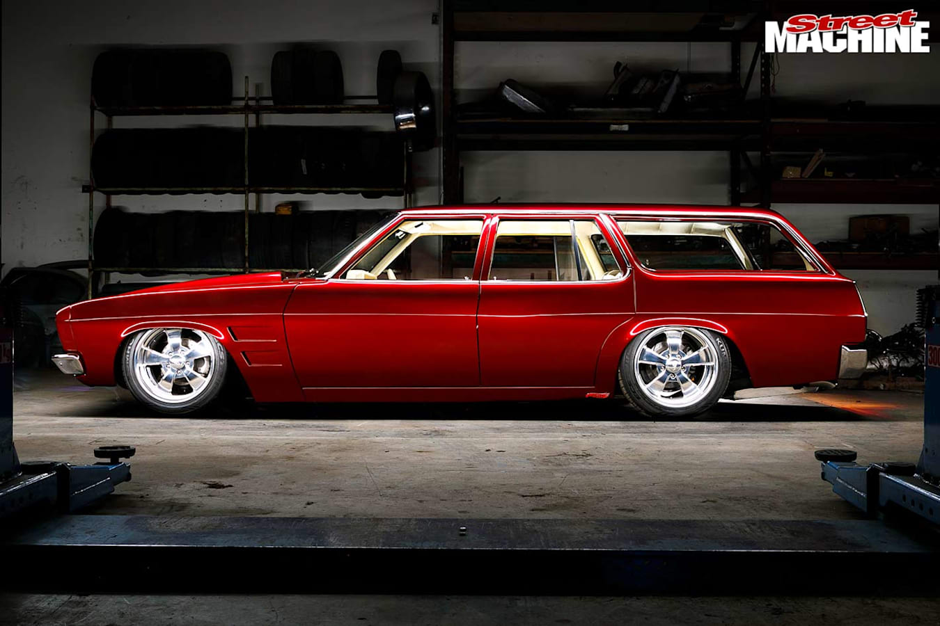 Holden HQ wagon side