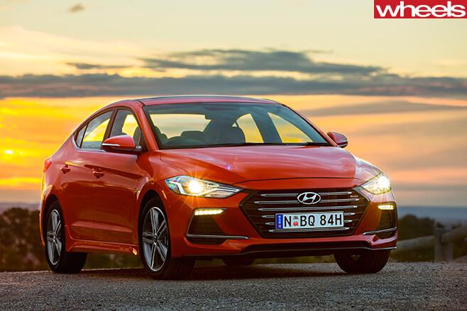 Hyundai -Elantra -SR-Turbo -front -rear