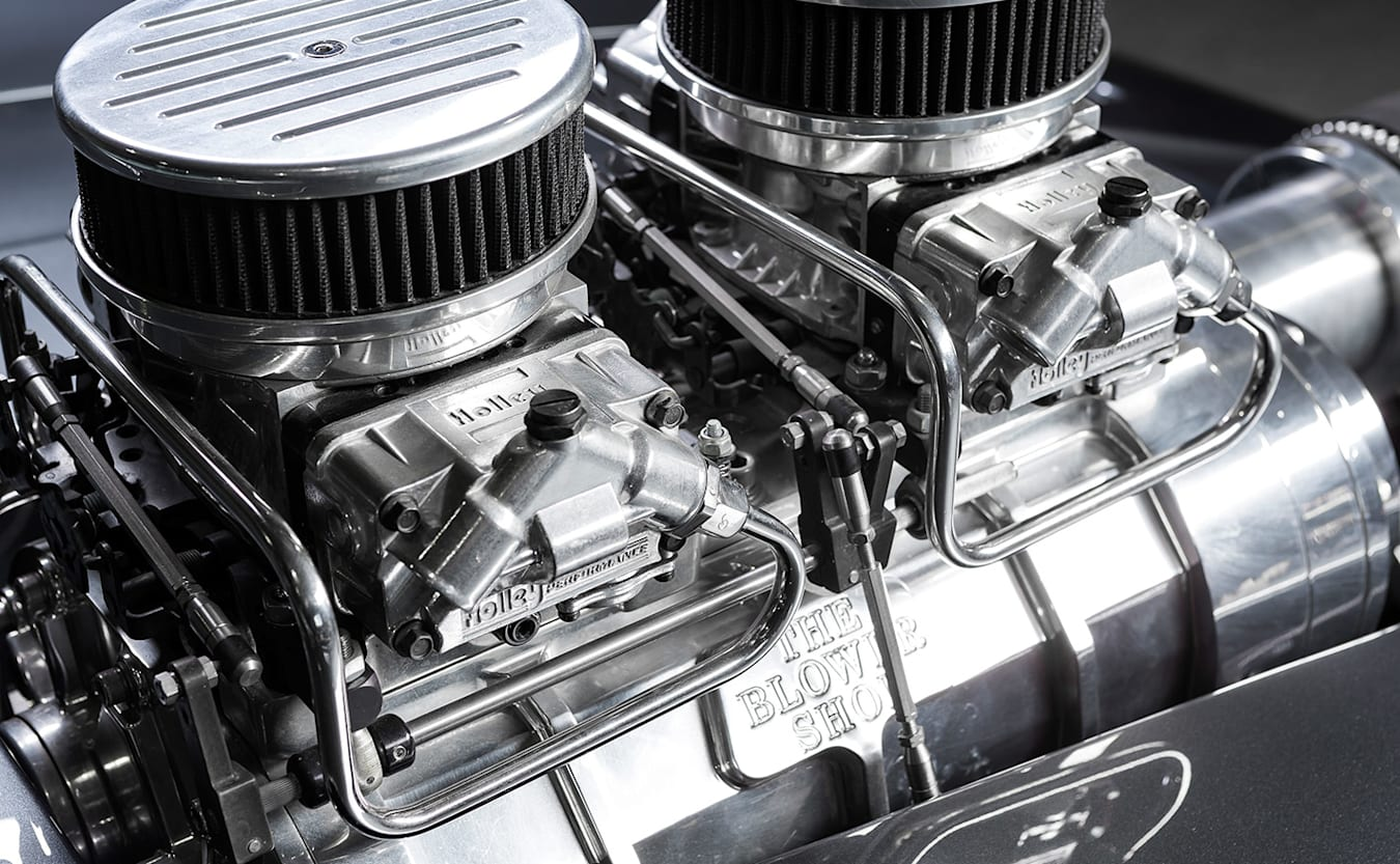 Ford Falcon XC hardtop engine