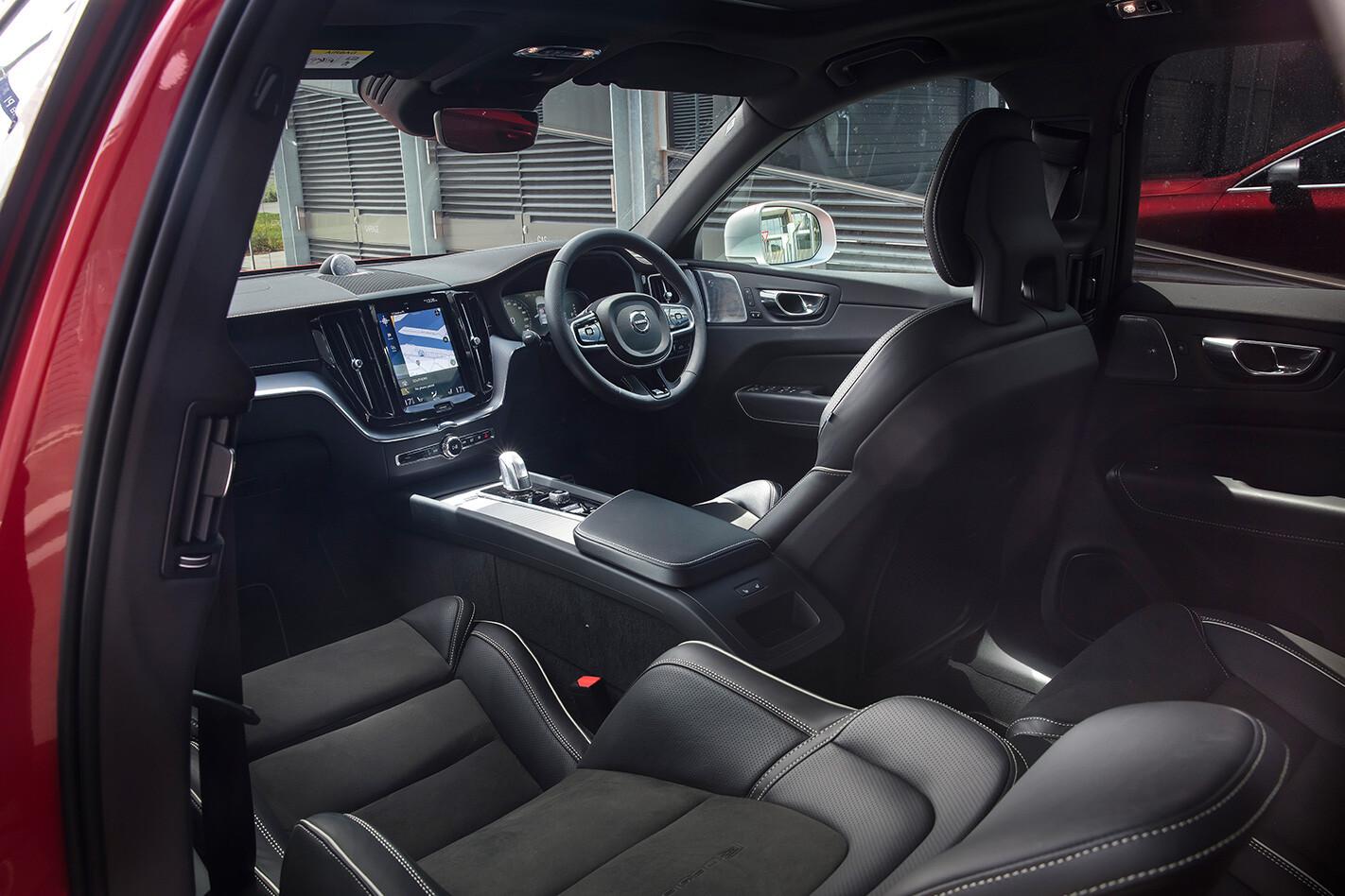 2019 Volvo XC60 T8