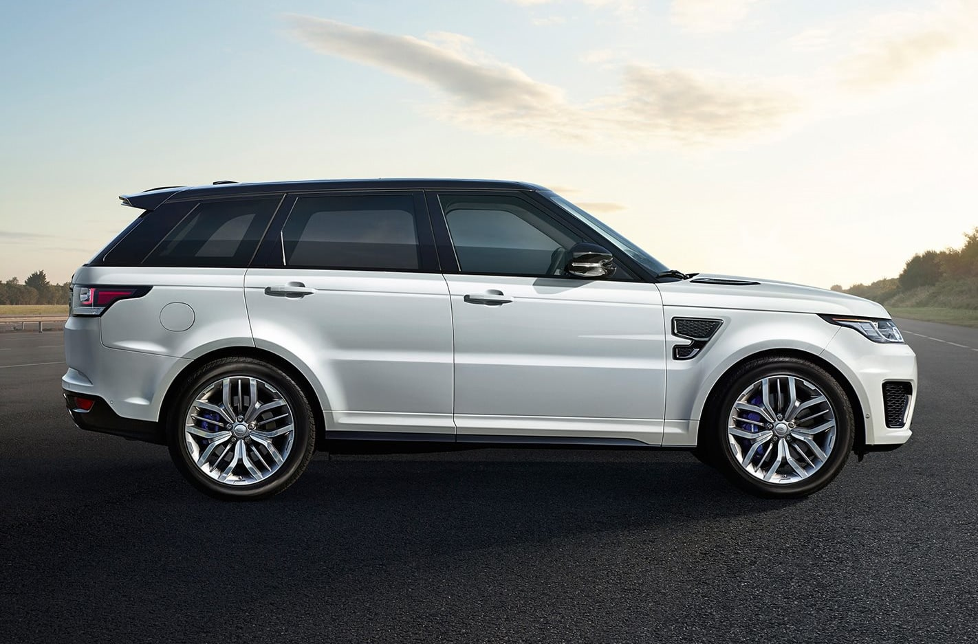 Whichcar Fast Facts:  Land Rover