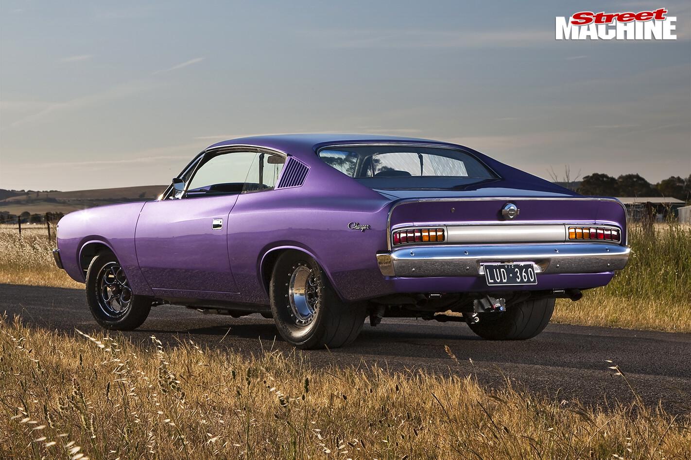 Chrysler -valiant -back