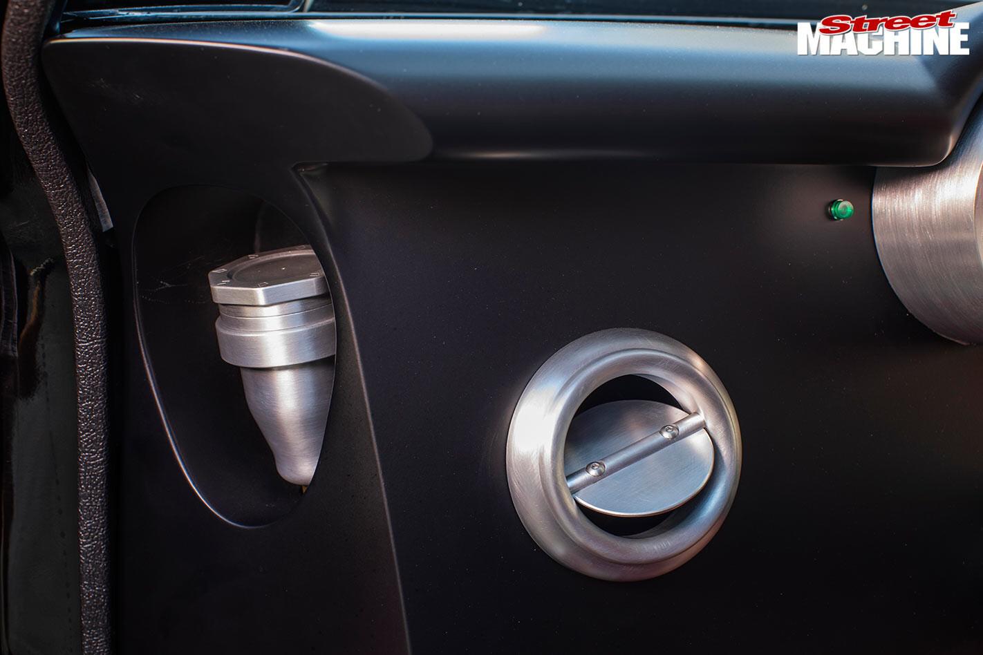 Dodge Challenger details