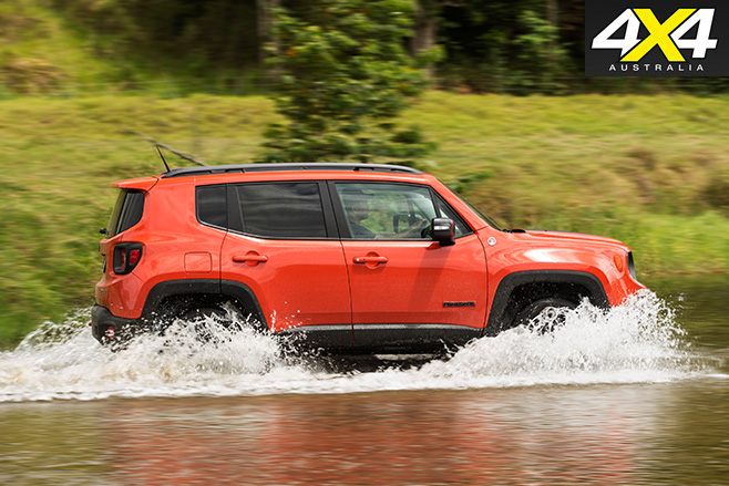 Jeep renegade 2015 driving water