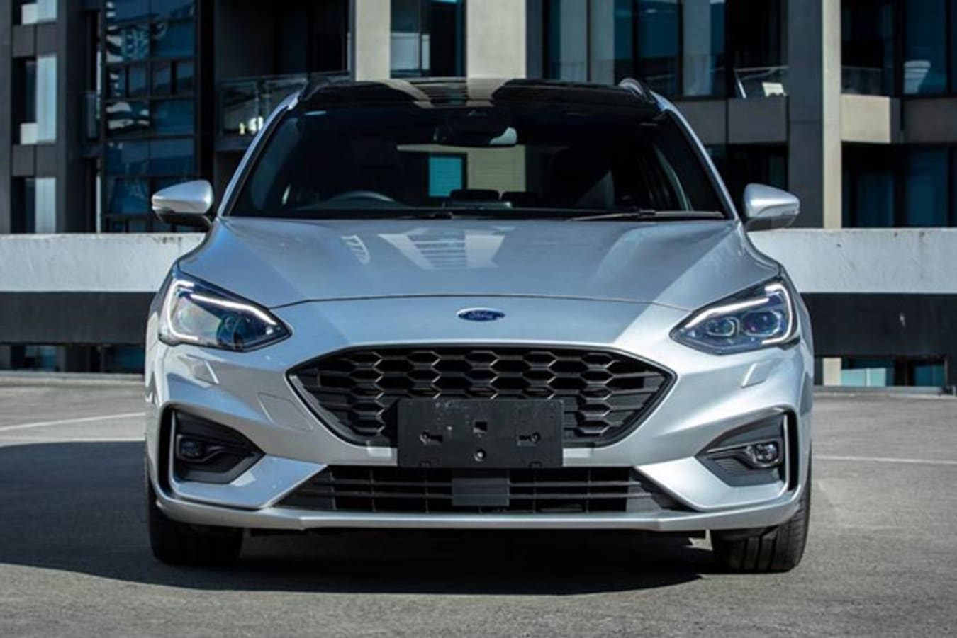 2019 Ford Focus ST-Line Wagon front