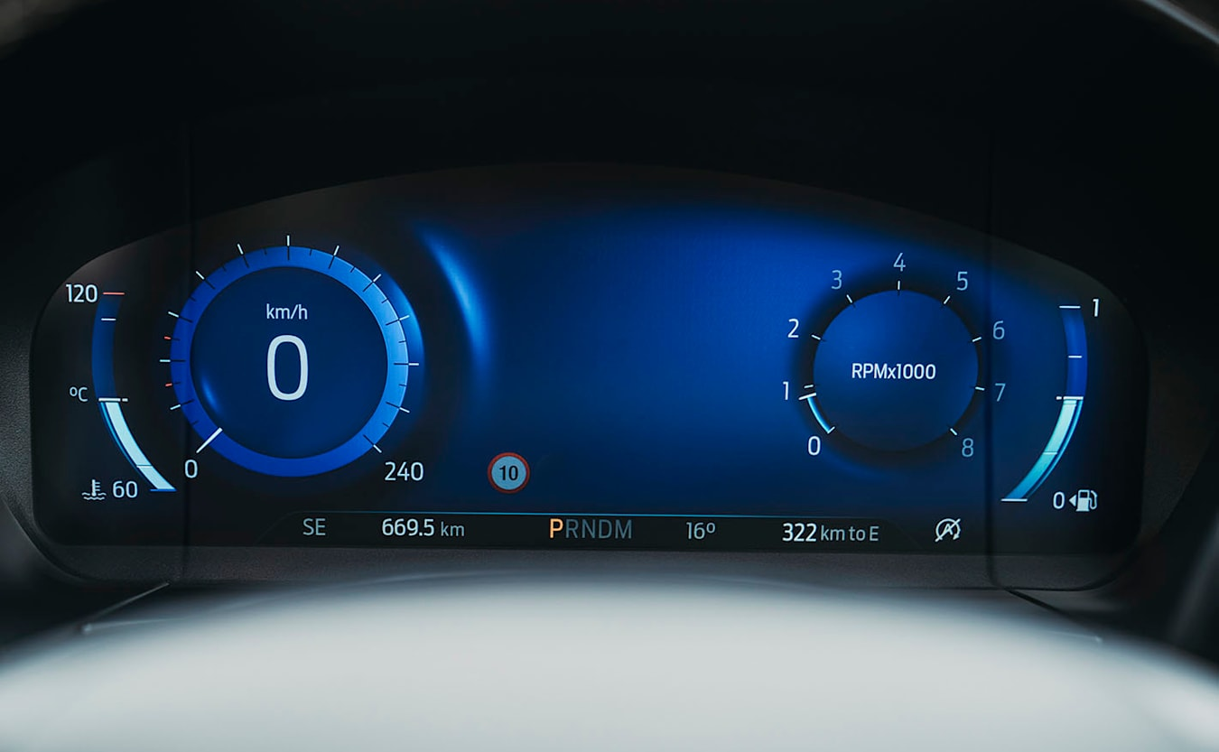 2021 Ford Escape Vignale AWD digital display