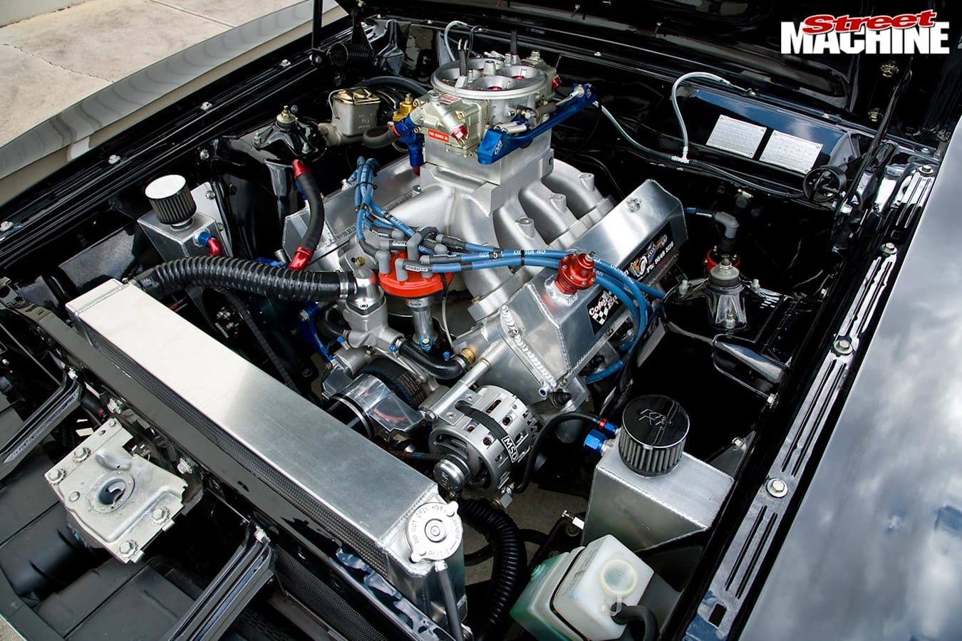 Ford Falcon XB coupe engine bay