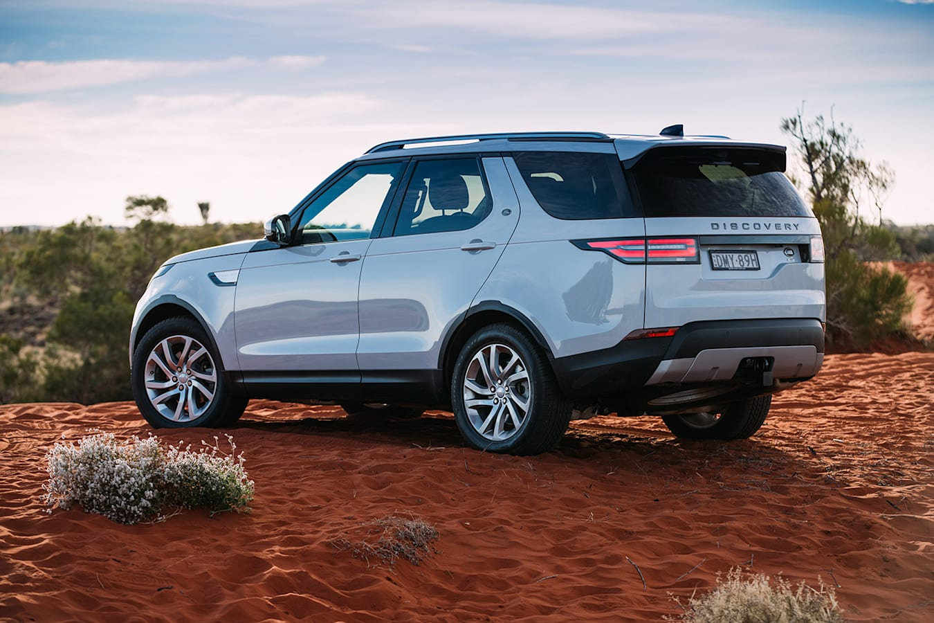 Land Rover Discovery Rear Jpg