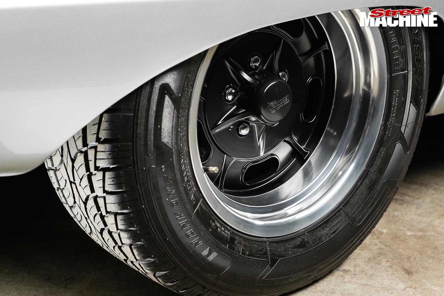 Ford Falcon XP wheel