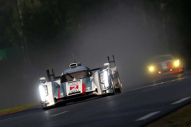 Tom Kristenen driving Audi R10 TDI at Le Mans.