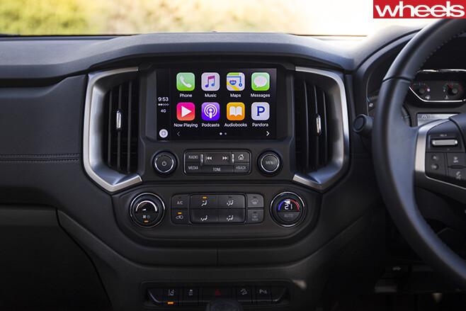 Holden -Trailblazer -seven -seat -SUV-touchscreen