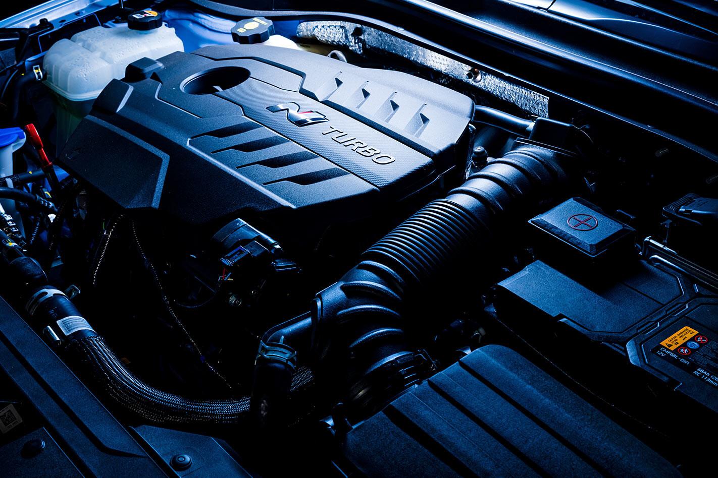Hyundai i30 n engine bay