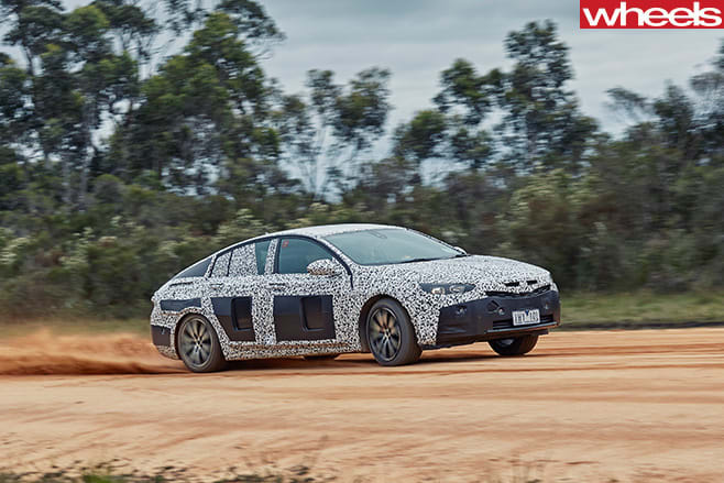2018-Holden -Commodore -sand -drifting