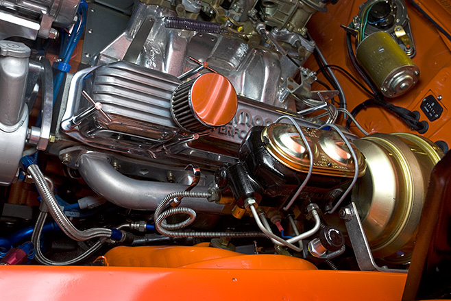 Plymouth Road Runner engine