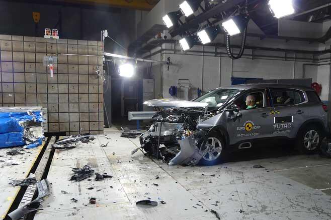 SUV Crash Test Jpg