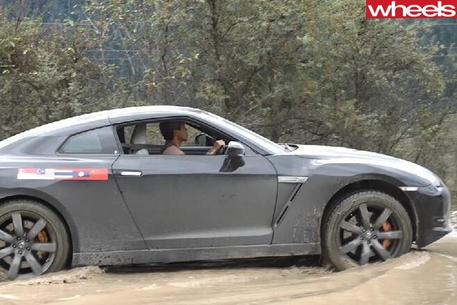 Nissan -GT-R-on -treacherous -road