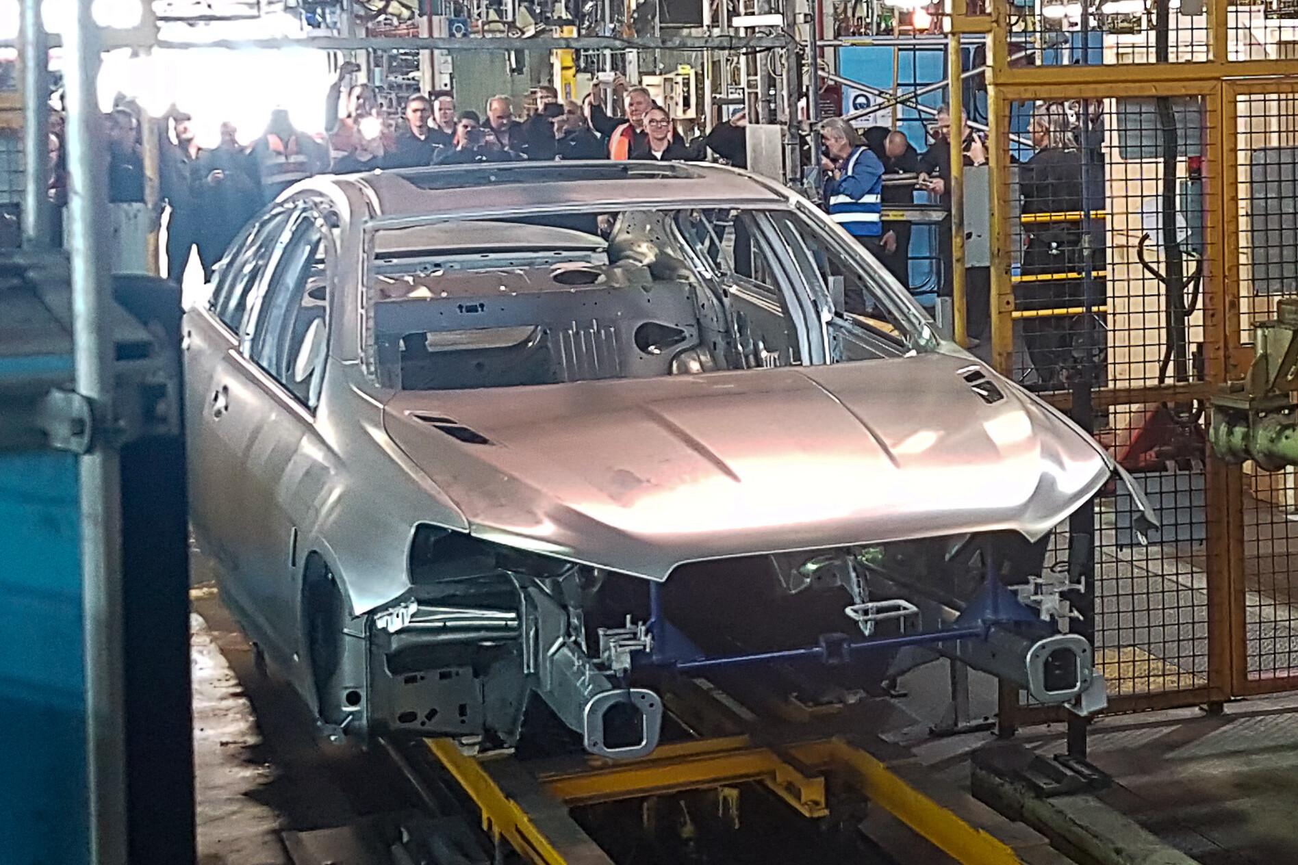 Last Ever Holden Commodore 11 Jpg