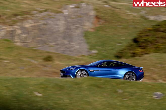 Aston -Martin -Vanquish -S-side -driving