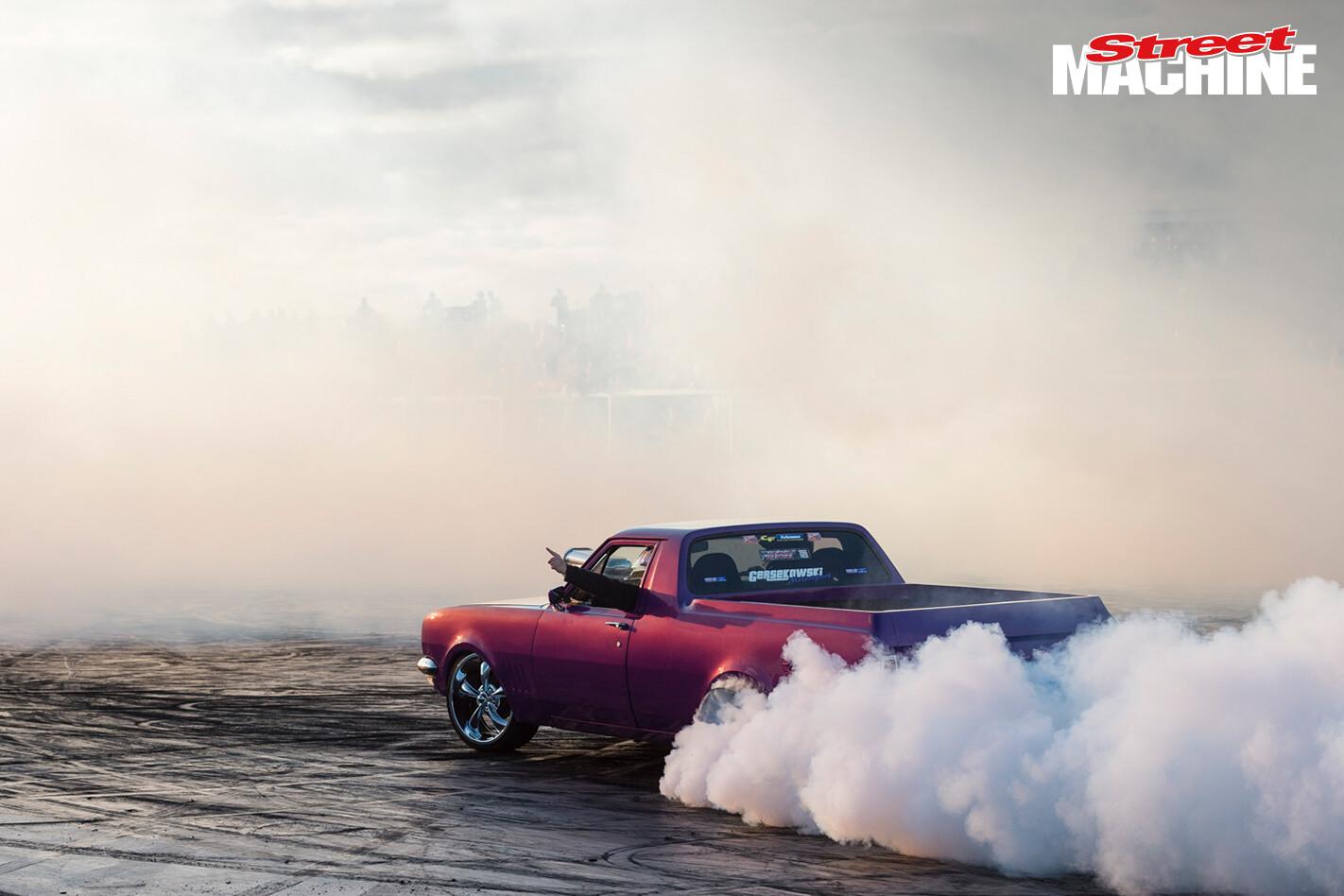 HG Holden Ute 1TUFHG Burnout