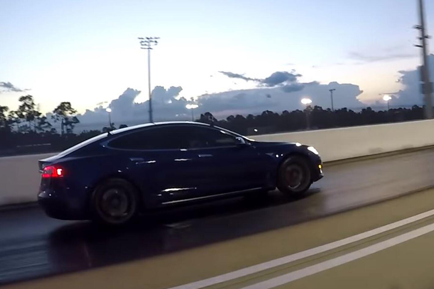Tesla Model S P100D Drag racing