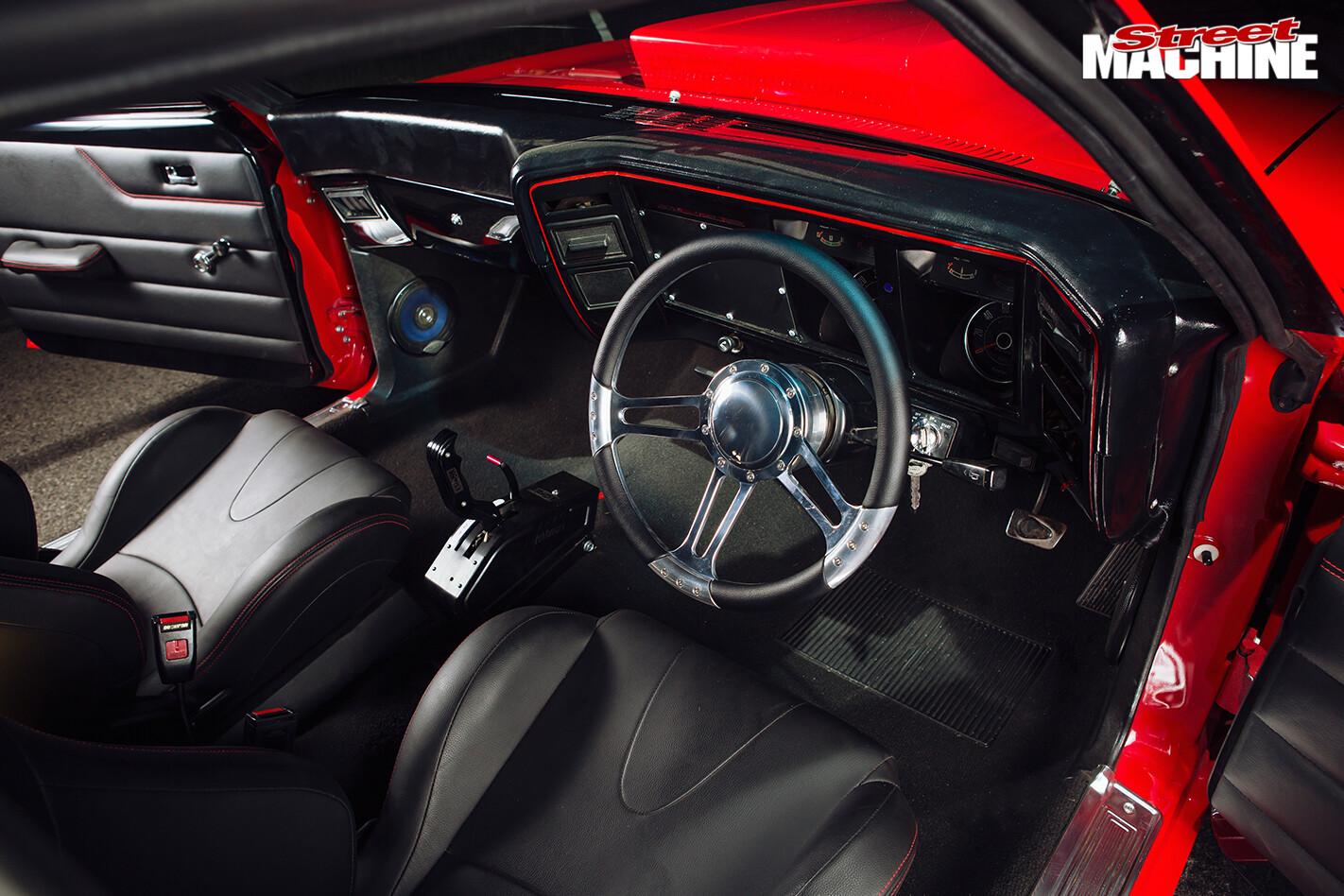 Ford -falcon -xb -gs -interior -front