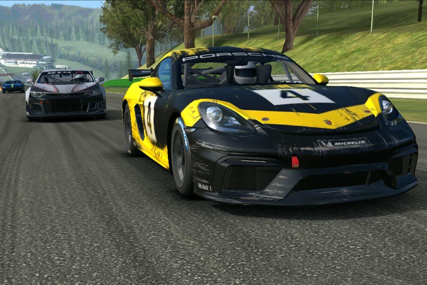 Real Racing 3 Porsche Cayman GT4