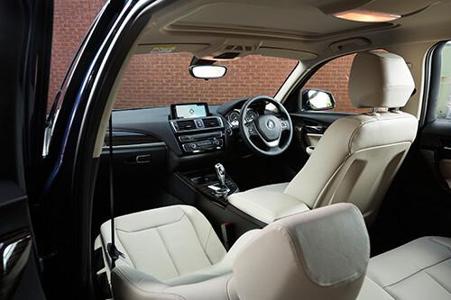 BMW 118i interior