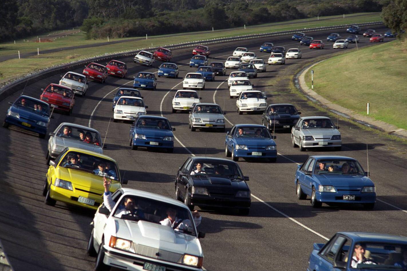 Toyota-convoy.jpg