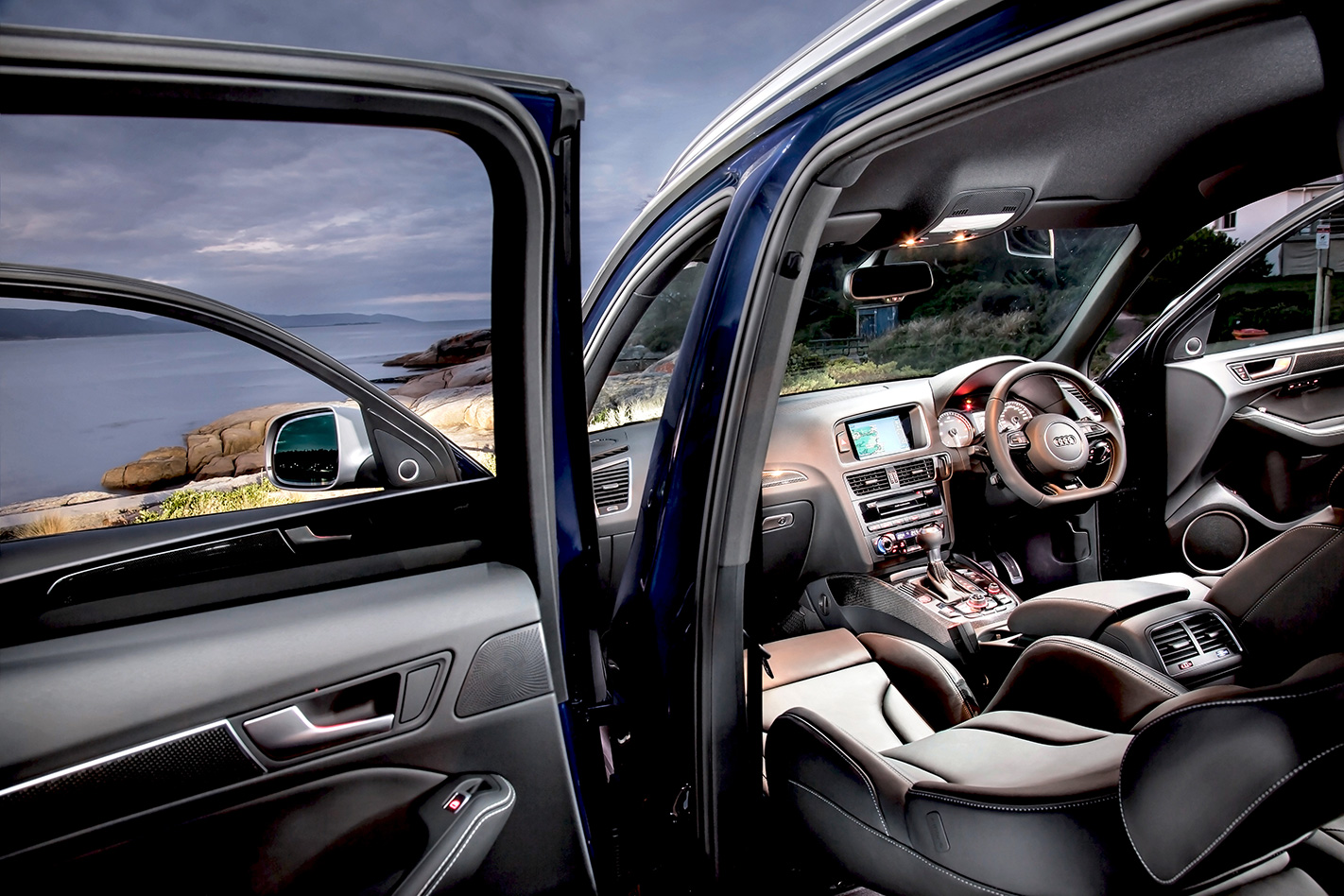 Audi SQ5 interior.jpg