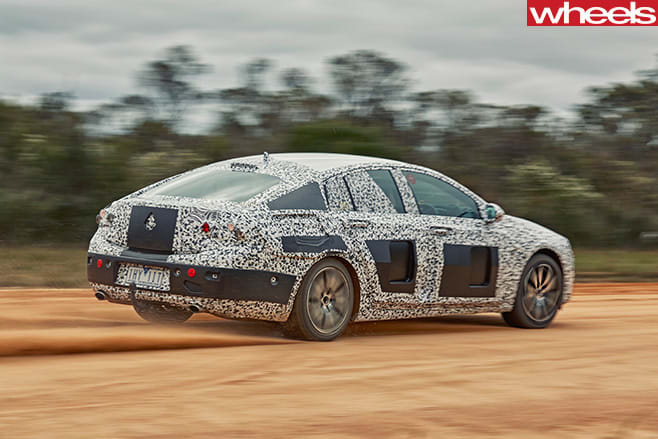 2018-Holden -Commodore -sand -drifting -rear