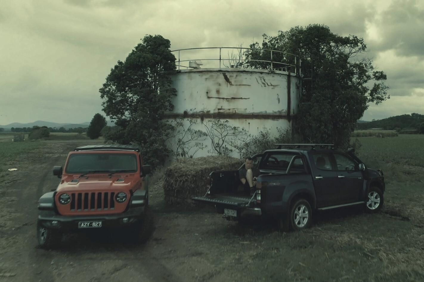 Wrangler vs D-Max zombie apocalypse