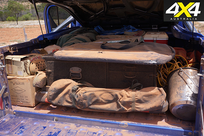 2016 Toyota Hilux SR5 dusty tray