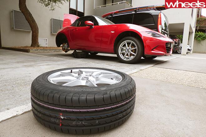 Mazda -MX5-spare -tyre