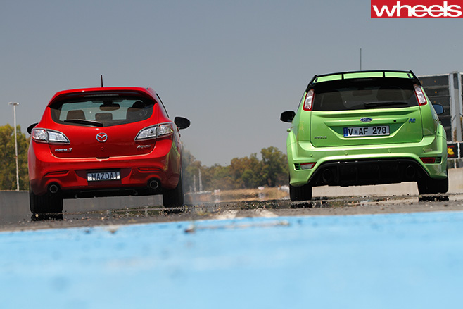 Hot -hatches -driving -mazda 3-Ford -focus