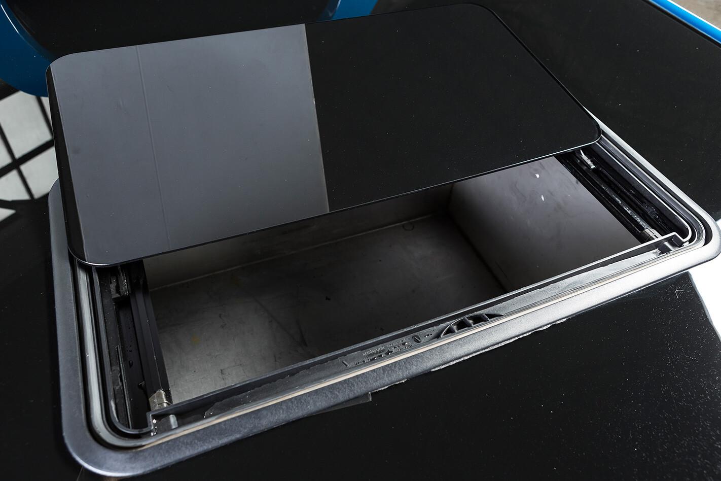 Holden VK One tonner tray