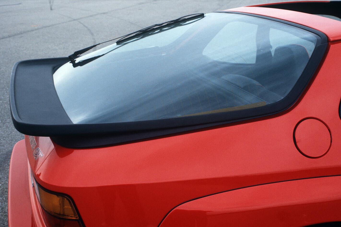 Porsche 924 Carrera GT rear window
