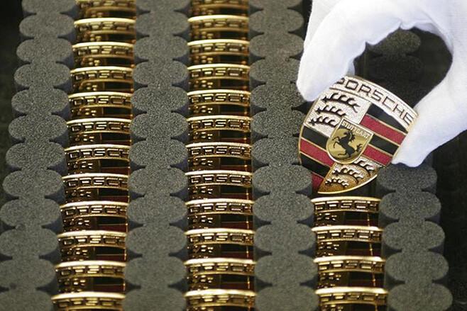 Porsche badges