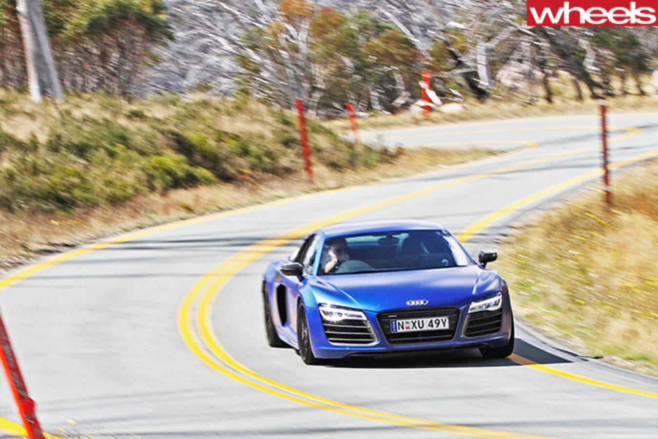 2013-Audi -R8-cornering -front