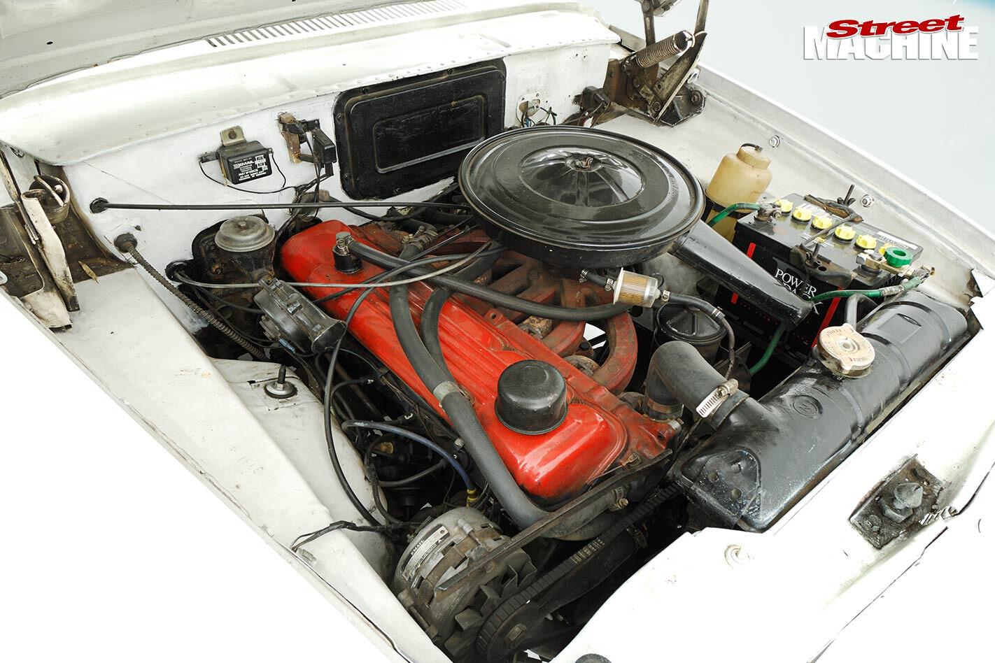 Chrysler Valiant s series engine bay