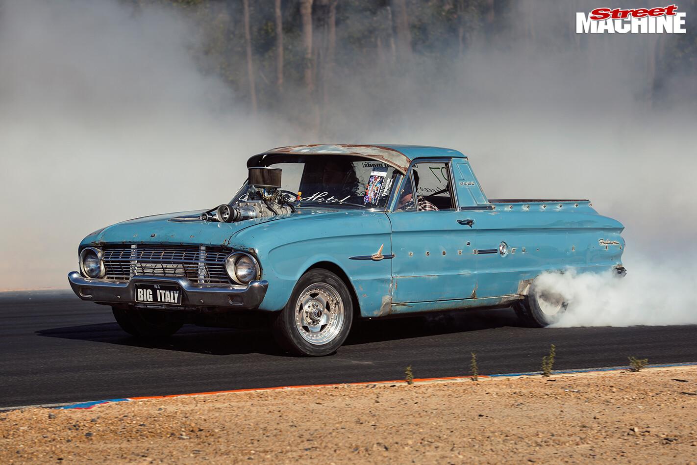 Ford -xl -falcon -ute -burnout -2